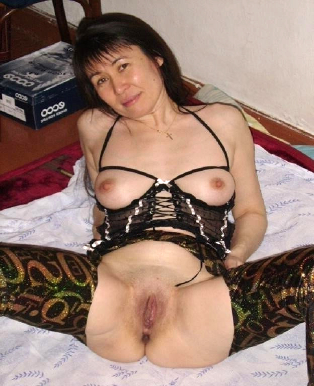 Chinese lesbian pussy lickers