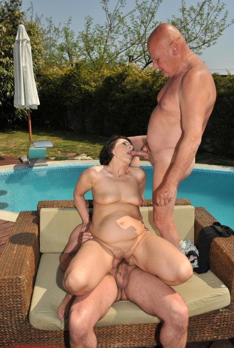 mature bi threesomes - Porn pics be advisable for mature bi threesome ...