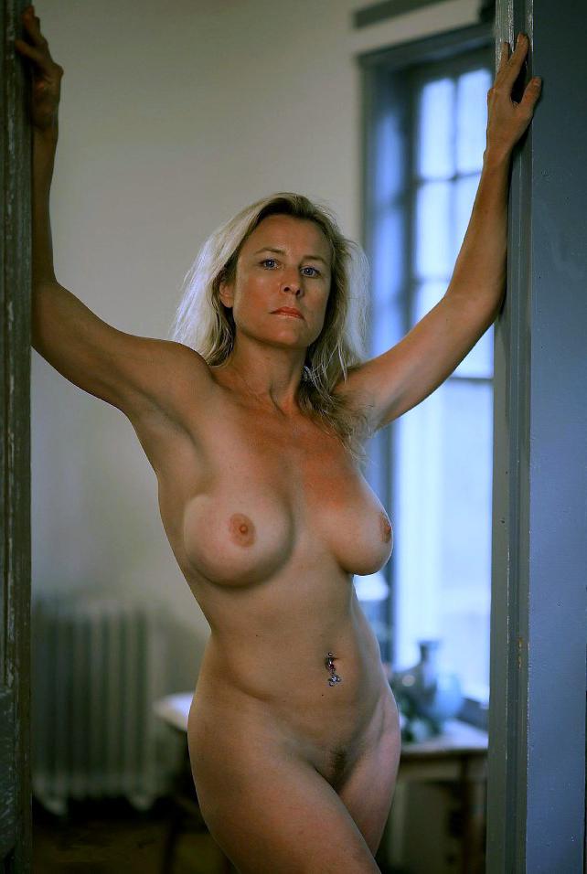 milf pics nude