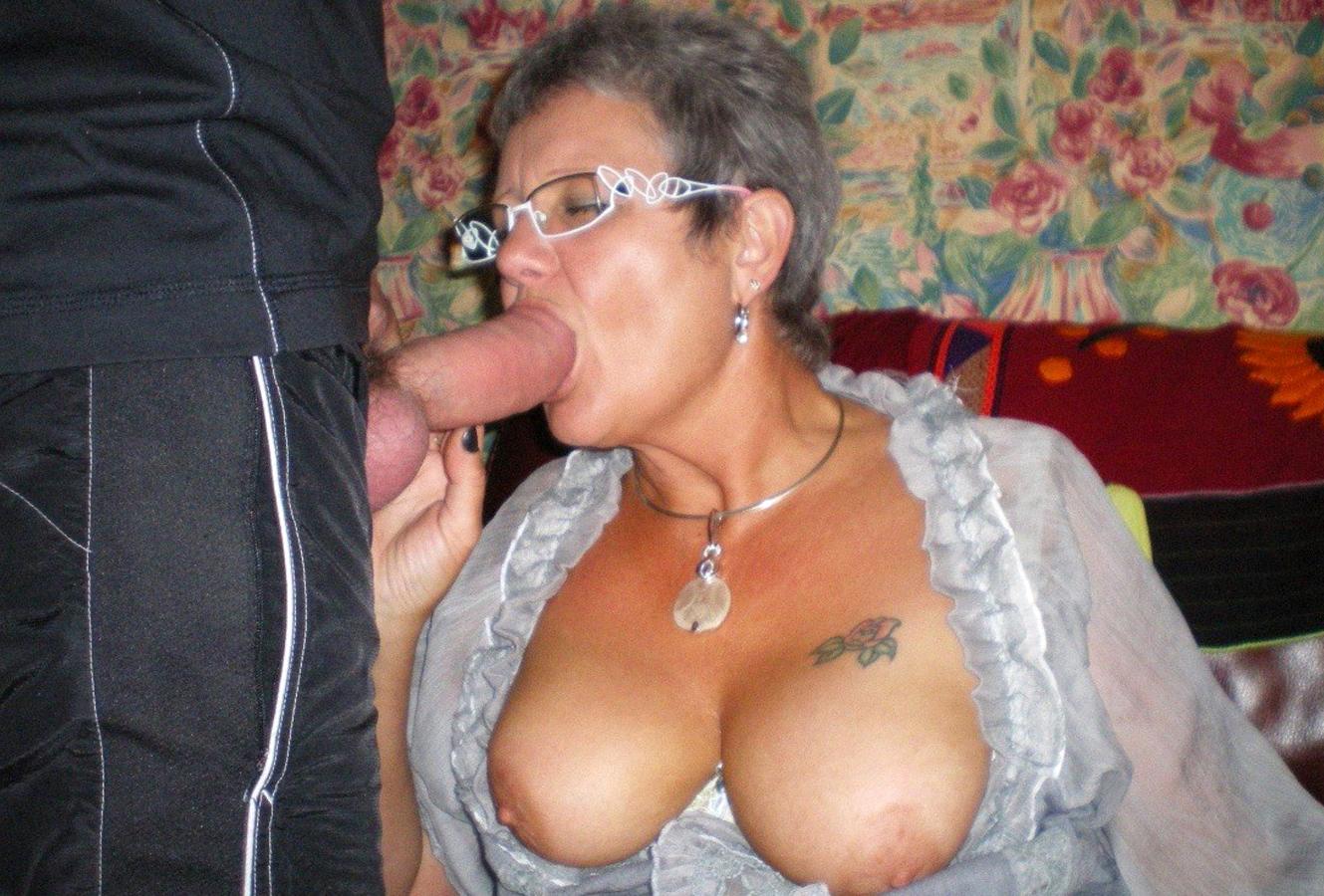 Homemade Mature Granny Blowjob