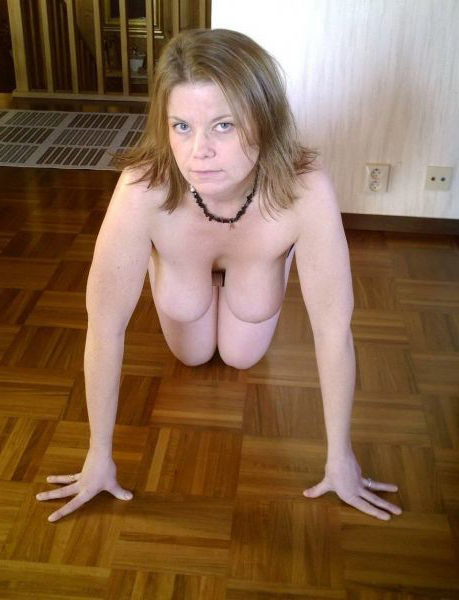 Mature Public Saggy Tits