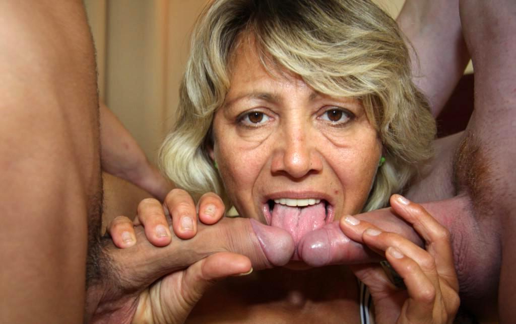 mature bi threesomes - Mature bi threesome naked porn pics - MatureHomemadePorn.com