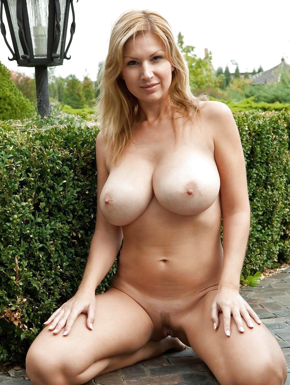 busty amateur boobs