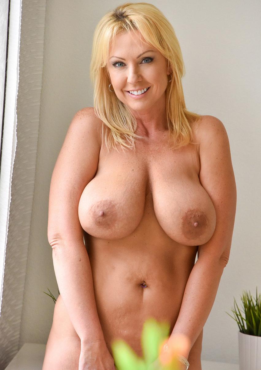 Horny amateur hotties seems excellent