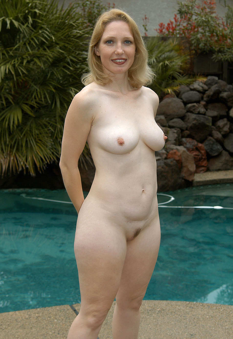 Are nude mature women xxx