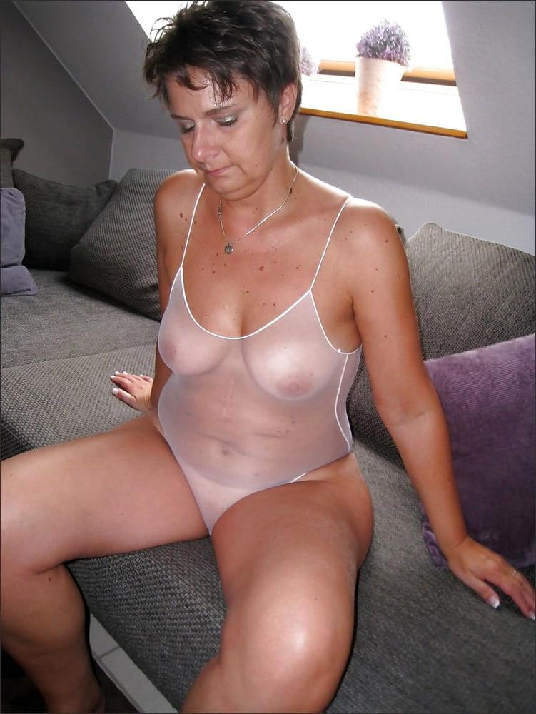lesbian strap wet pussy