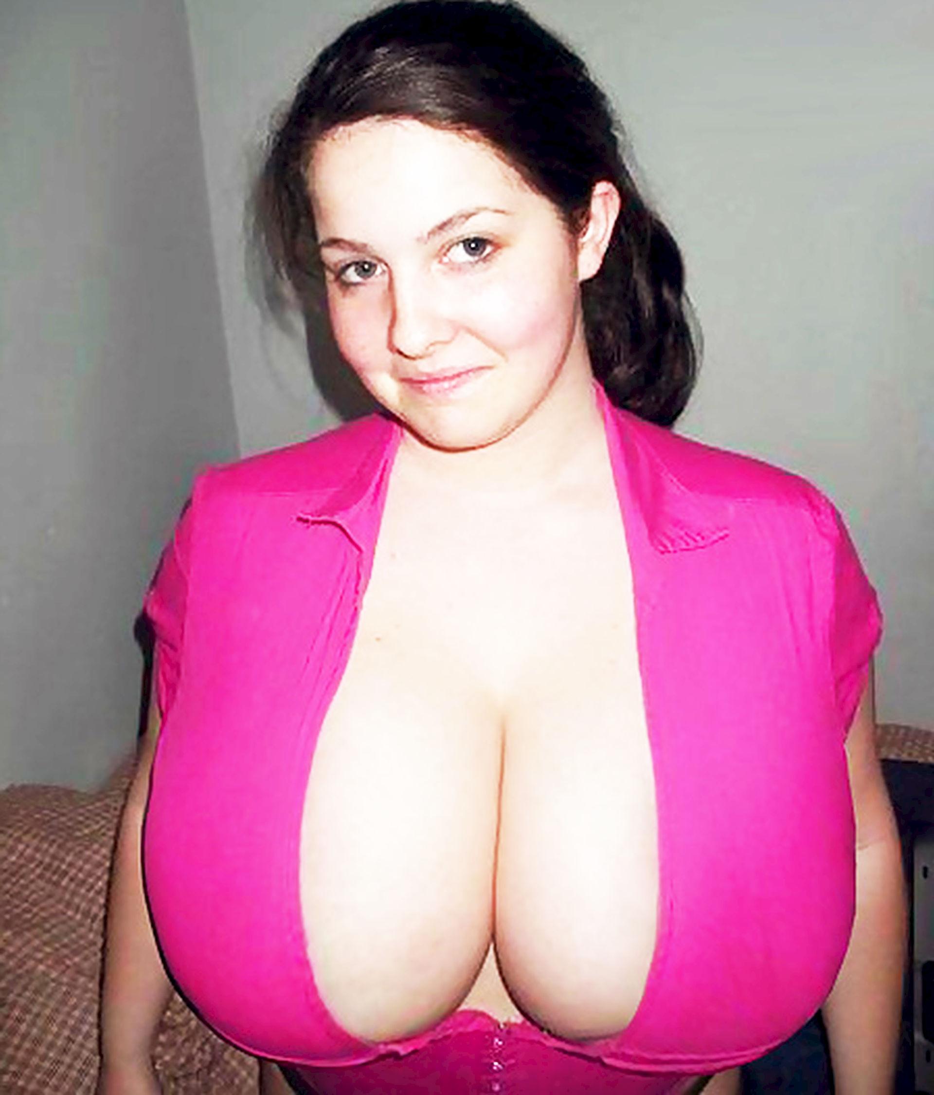 naked fakes elizabeth banks