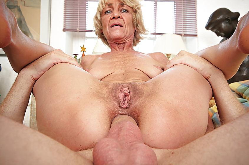 Granny pussy com