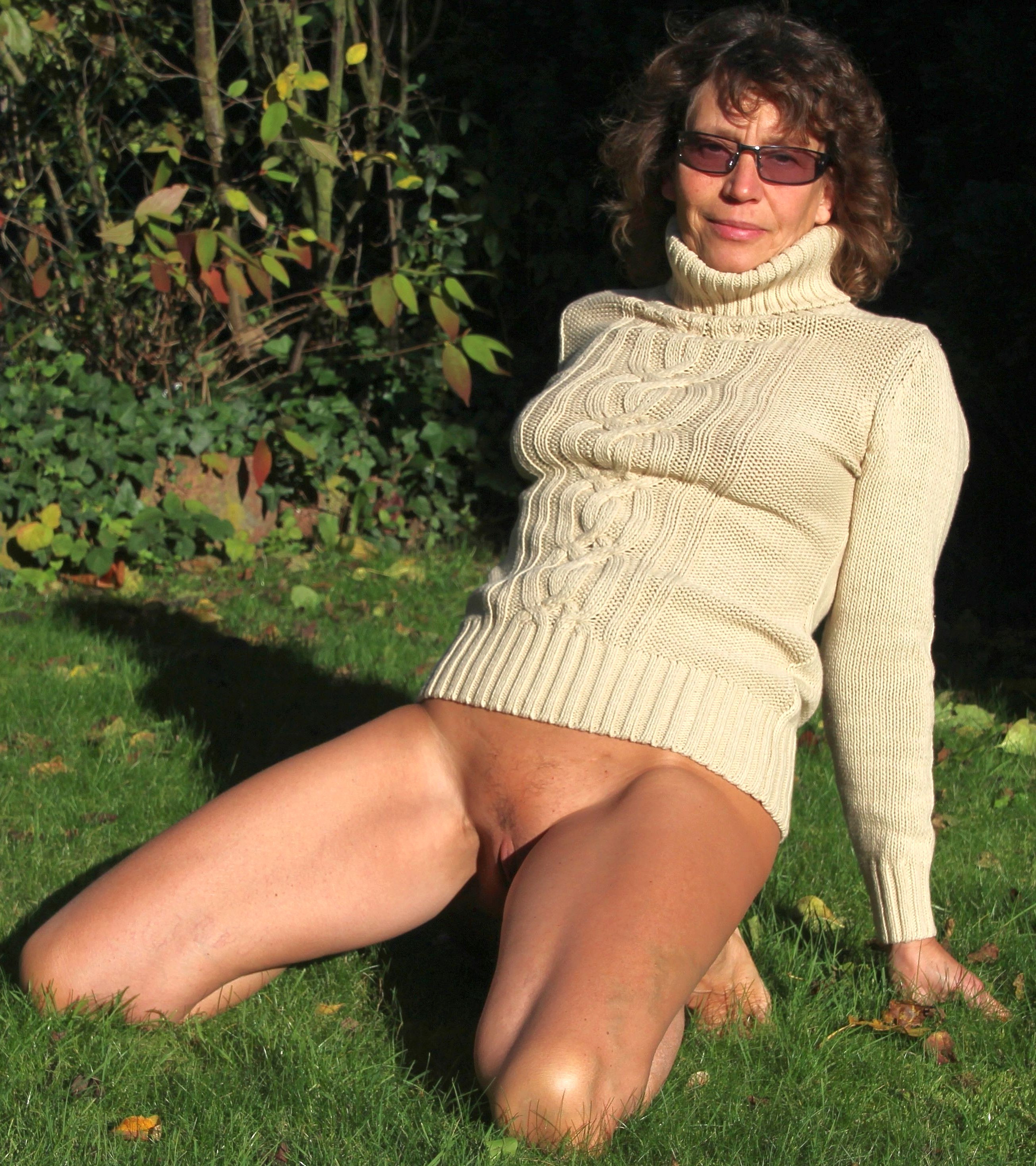 sexy women nude milk