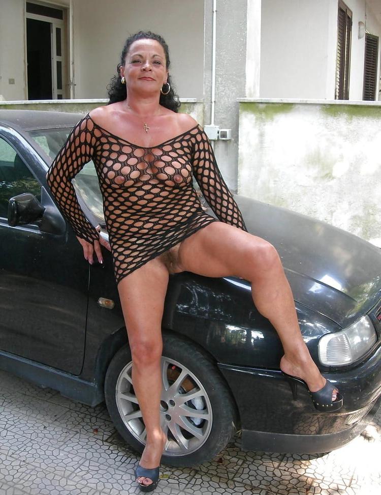 Nadia styles black cock