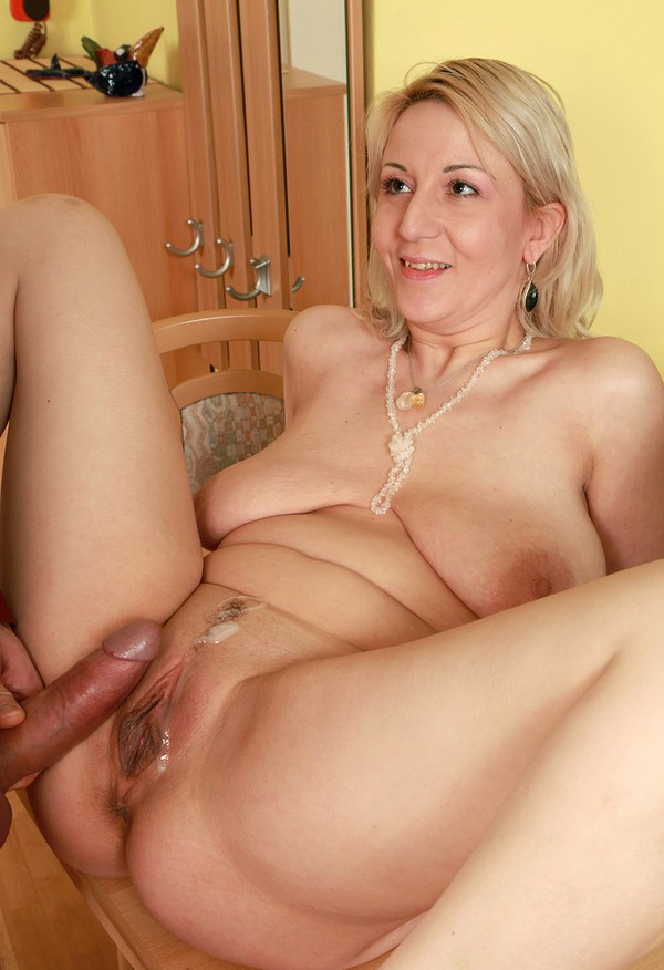 Red tube mature hot lebians rooms