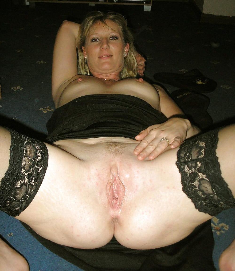 I found naked pics of my mom
