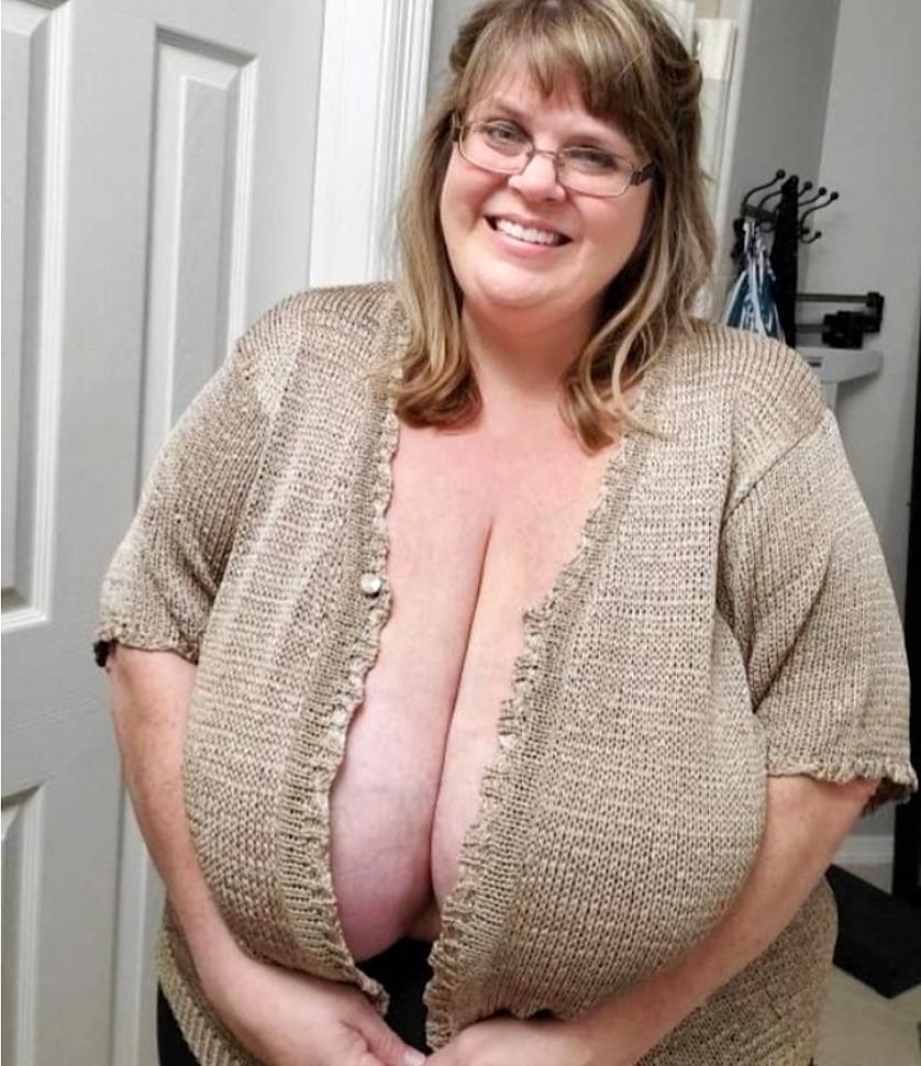 fat mature boob