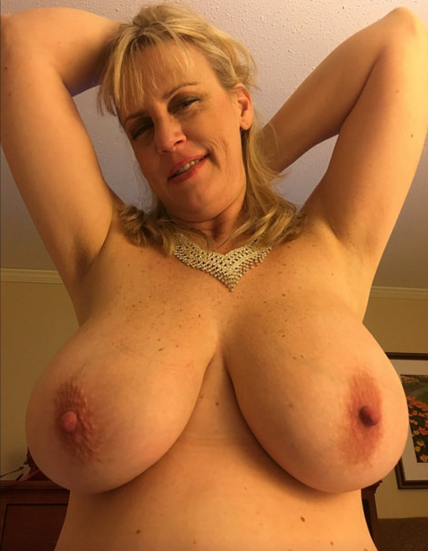 Big Tits Mature Milf German