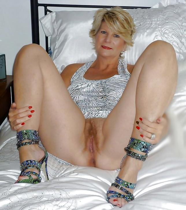free nude photos of mature women
