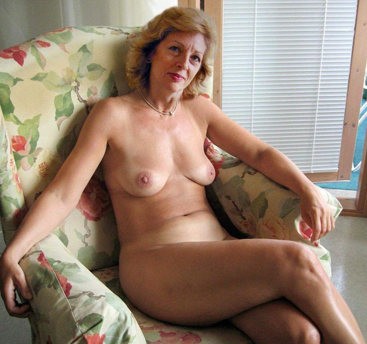 Hot mature women galleries