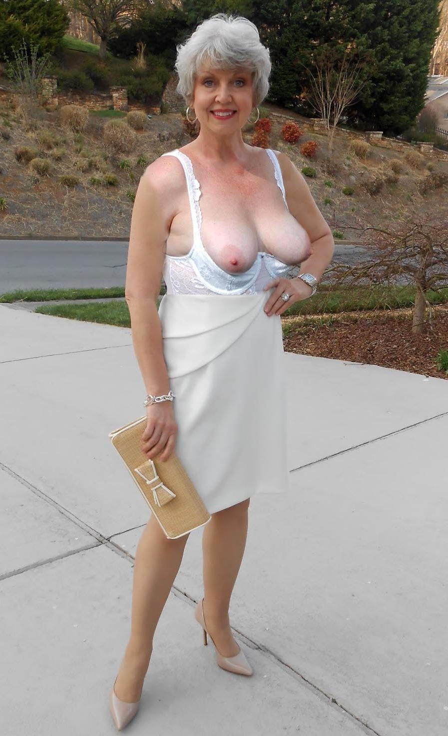 Meg ryan short skirts