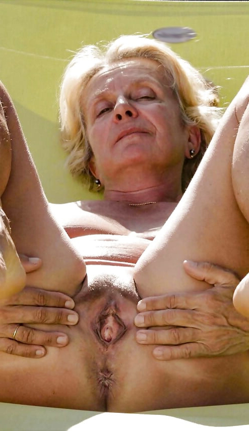 Nude images of kashmiri women