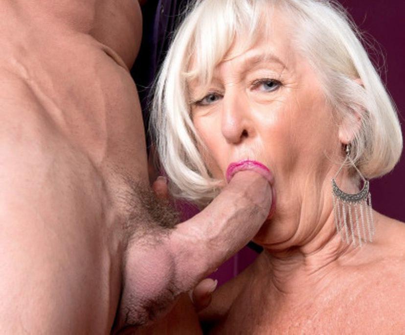 Порно Смотреть Старушек Большими Членами