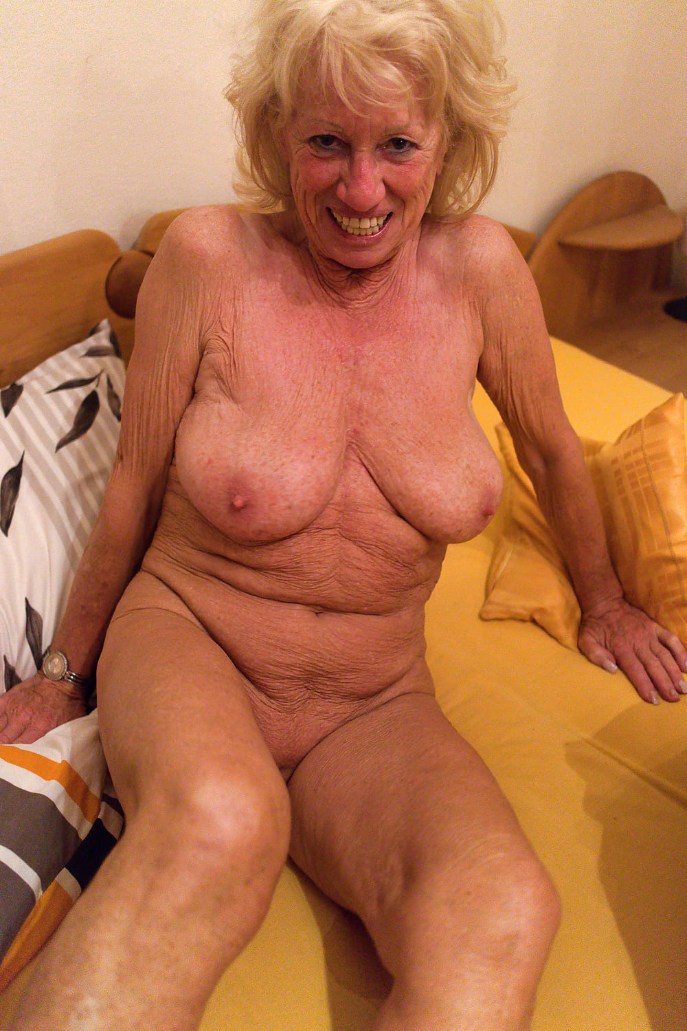Big tits with tight virgin pussy pictures